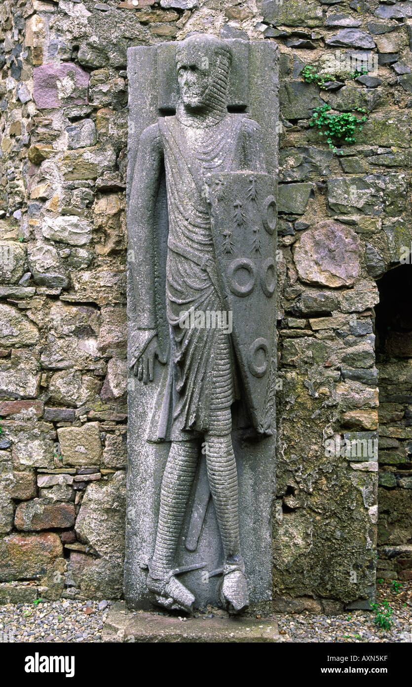 Large 13 C stone carving of knight known as the Cantwell Knight or Cantwell Effigy in Kilfane Church, County Kilkenny, Ireland. - Stock Image