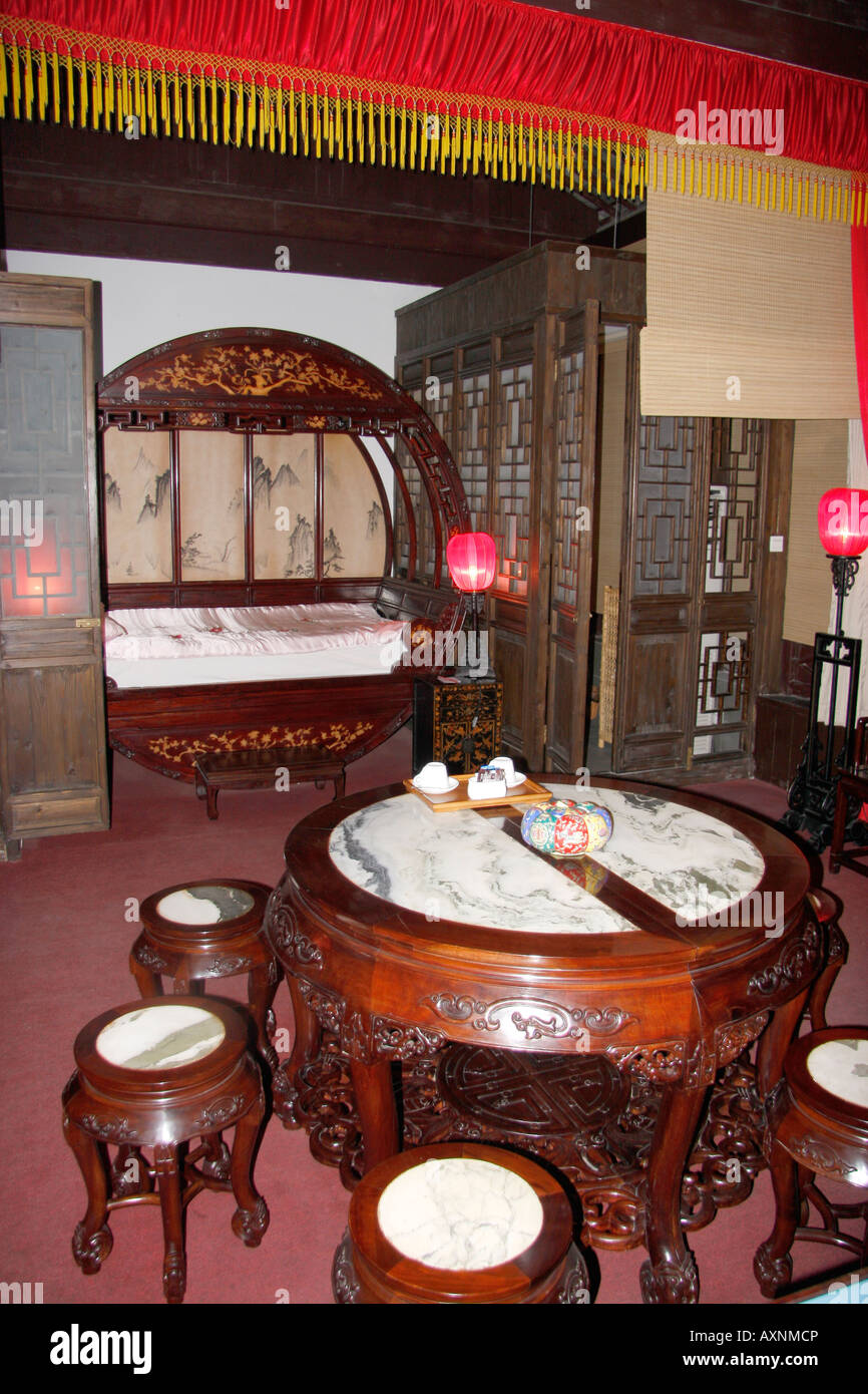 Bedroom in a Chinese hotel in the  old  quarter of Suzhou,China - Stock Image