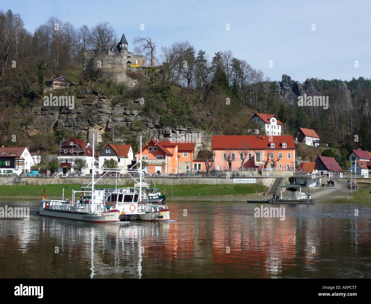 Ferry between the towns Rathen (Niederrathen) and Oberrathen on the river Elbe near the famous 'Bastei'. - Stock Image