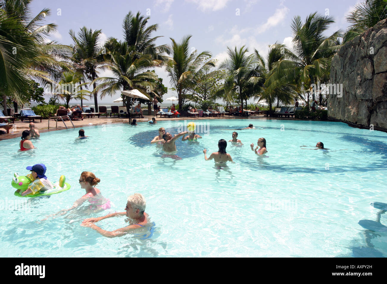 Sri Lanka Tourism People Relaxing In The Swimming Pool Taj Exotica Stock Photo 16899592 Alamy