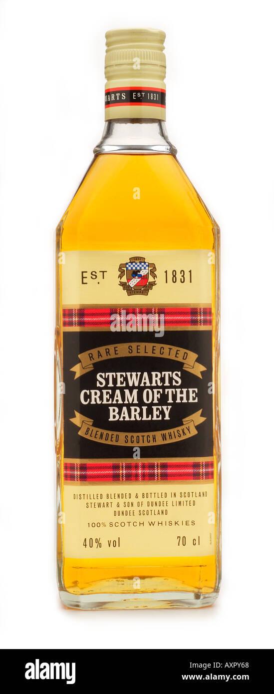 rare selected stewarts and son cream of the barley blended scotch bottled dundee glencadam brechinsingle rare isly malt grain - Stock Image