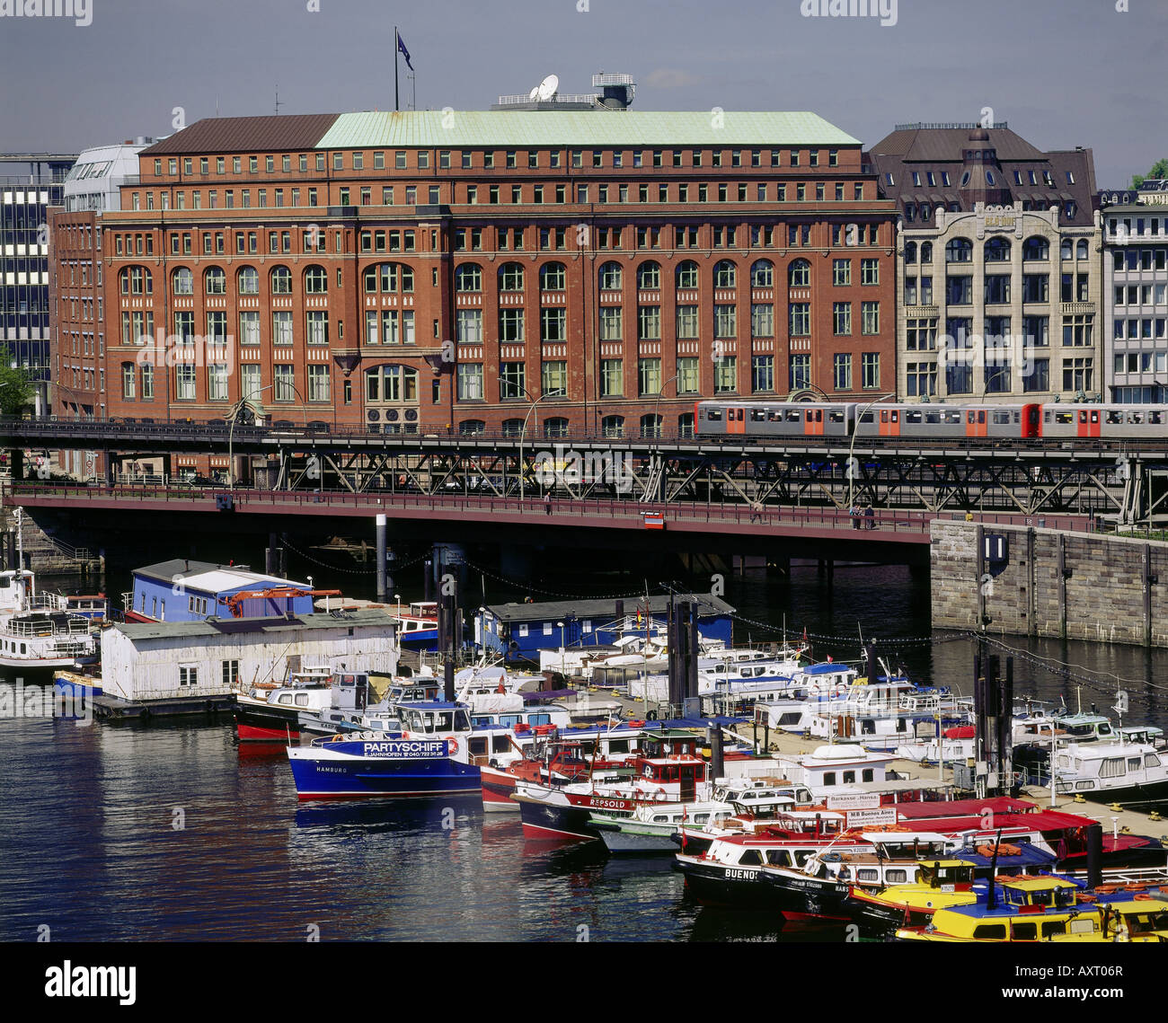 geography / travel, Germany, Hamburg, harbour, launches in inland harbour, urban railway in front of Sloman house - Stock Image