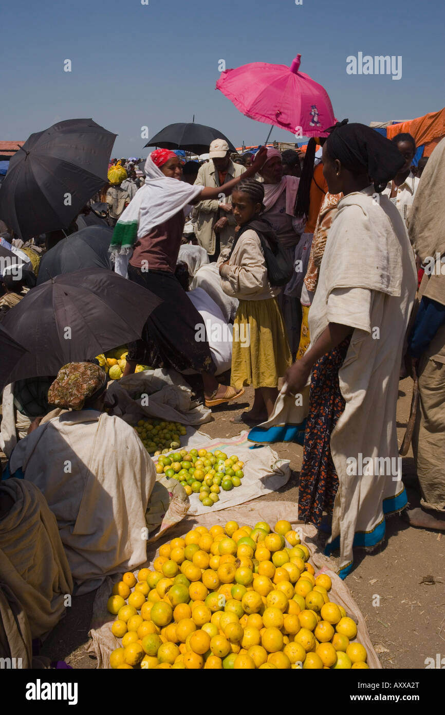 People walk for days to trade in this famous weekly market, Saturday market in Lalibela, Lalibela, Ethiopia, Africa - Stock Image