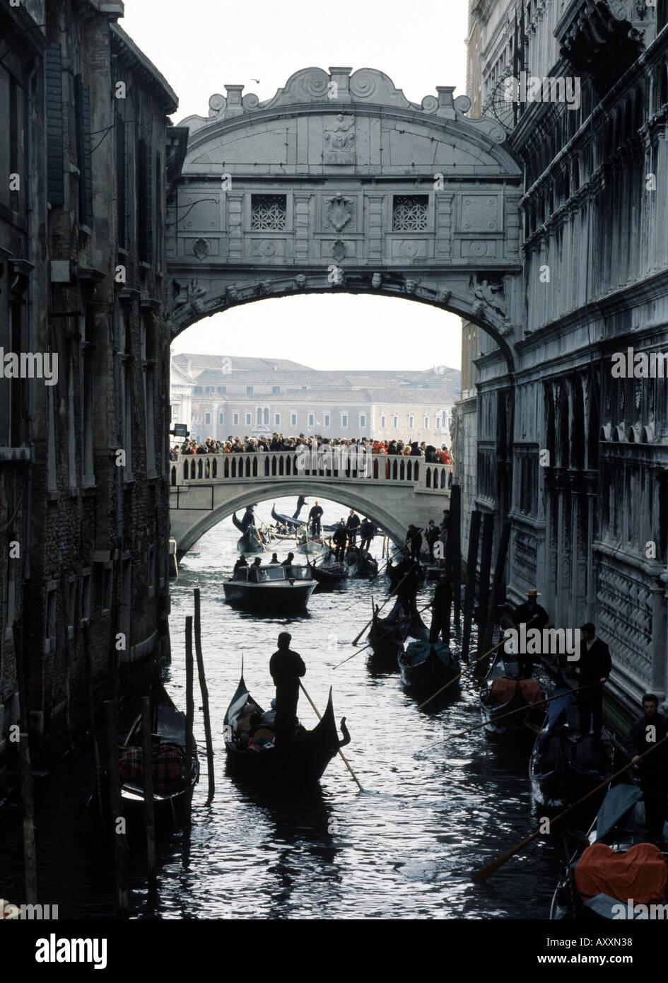 Venedig, Seufzerbrücke, Gondeln - Stock Image