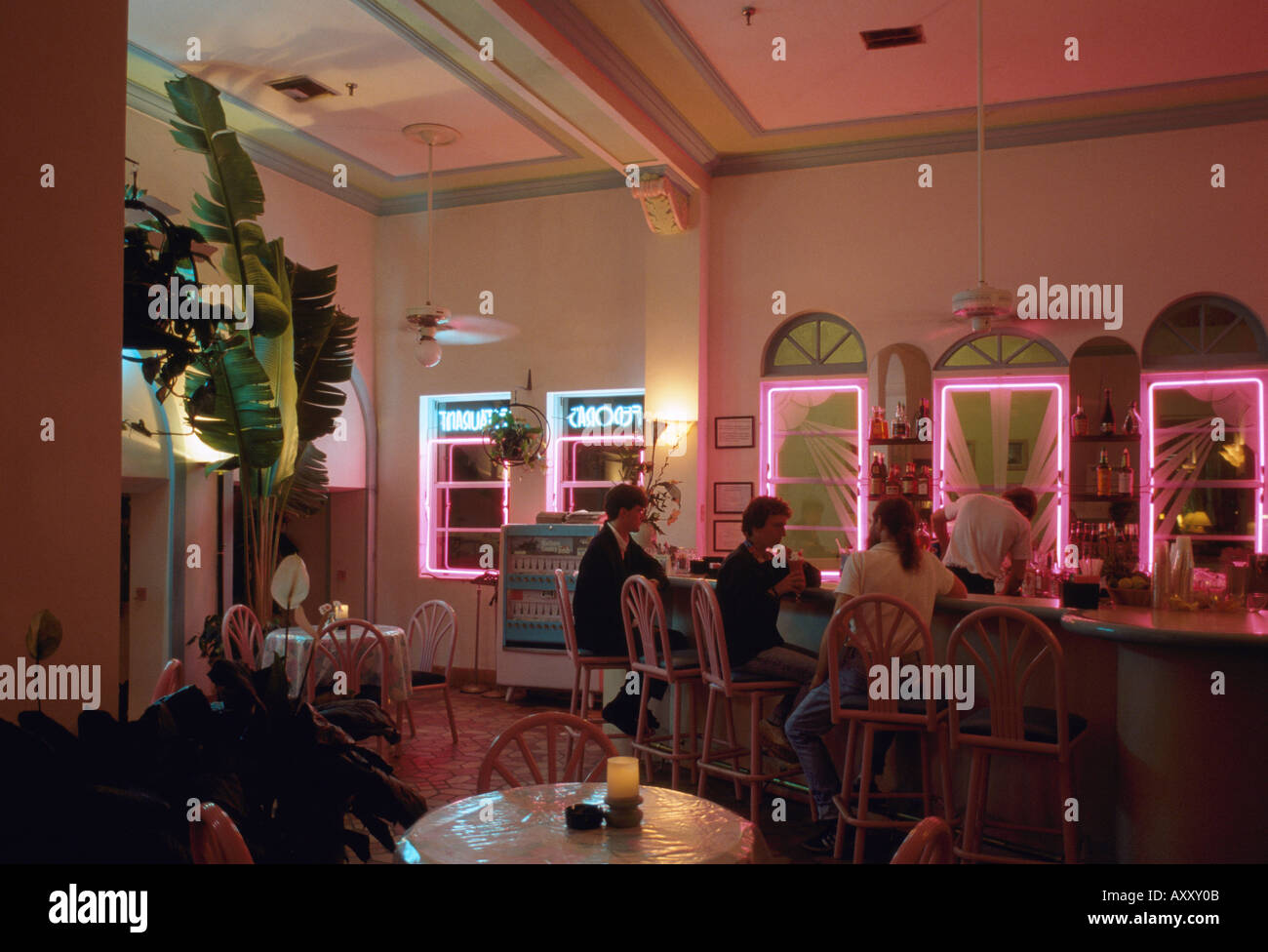 Miami, Ocean Drive, Art Deco Restaurant, Bar Stock Photo: 5530378 ...
