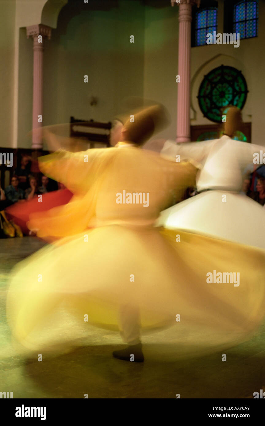 Whirling Dervishes, Sufis dancing, Istanbul, Turkey, Europe - Stock Image