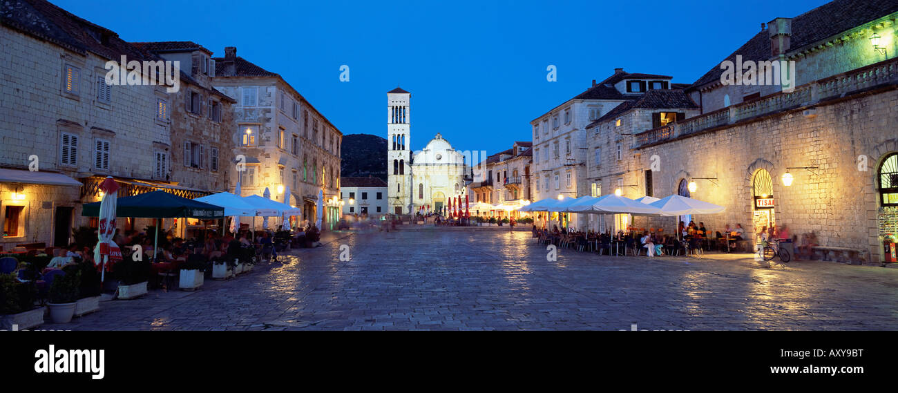 Town Square (Trg Sveti Stjepana) and cathedral of St. Stjepan at dusk, Hvar Town, Hvar Island, Dalmatia, Croatia, - Stock Image
