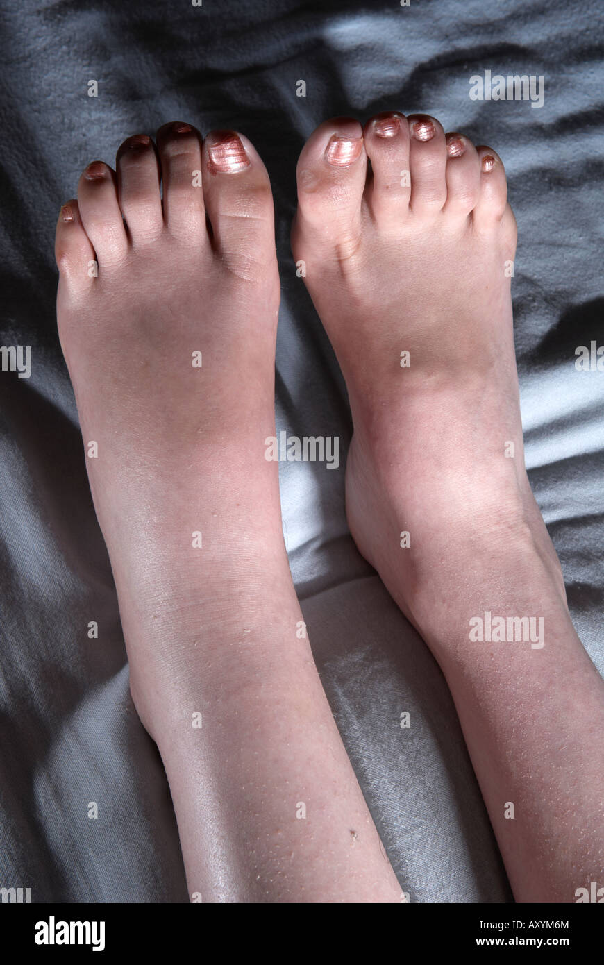 Mature women toes