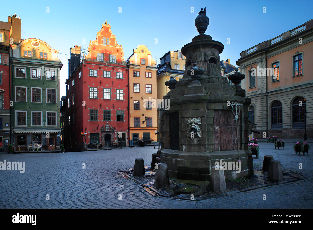 House fronts at Stortorget square in Stockholm s Old Town ('Gamla Stan'), Sweden - Stock Image