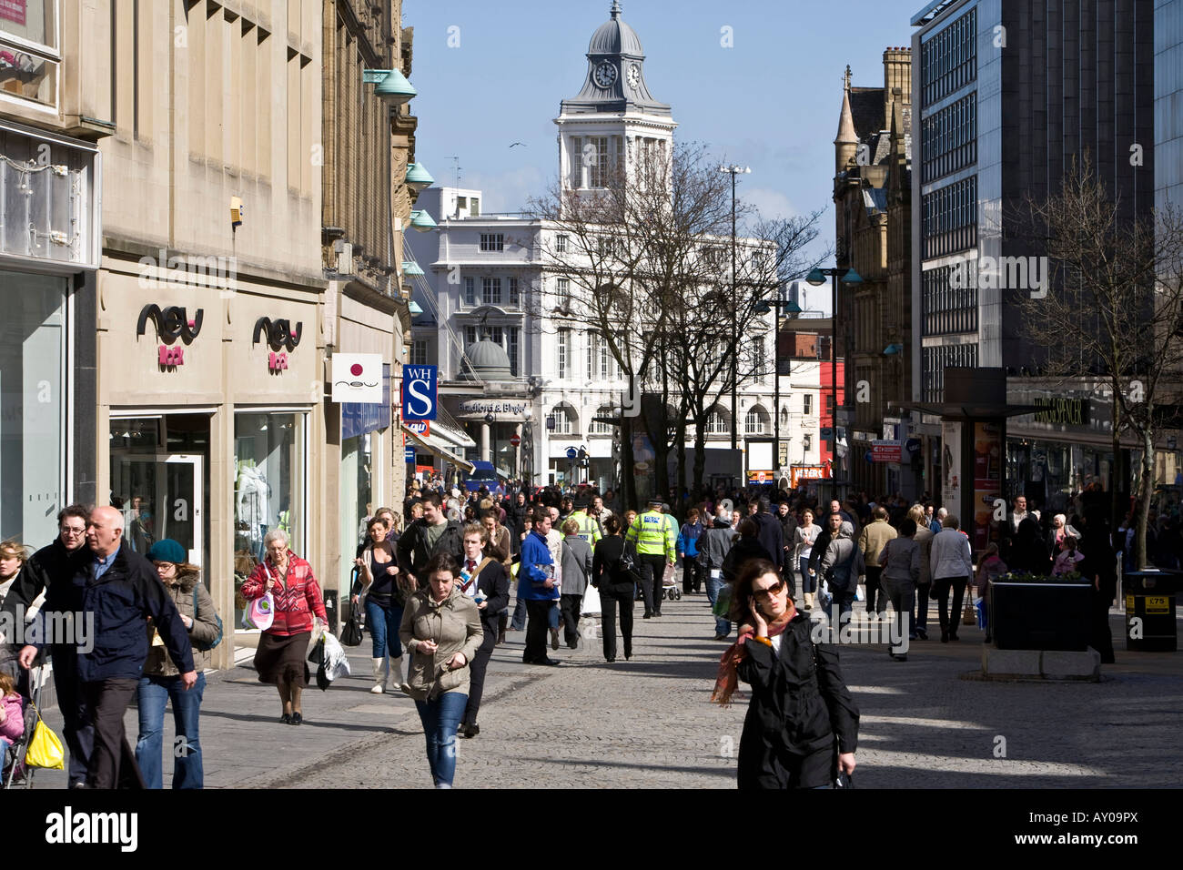 Crowds in Fargate, in Sheffield City Centre, Yorkshire, UK - Stock Image