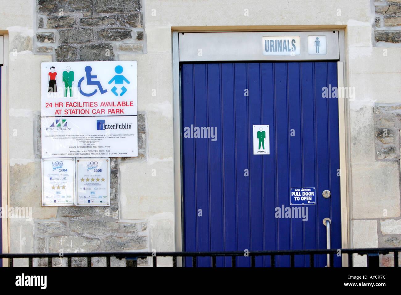 Urinals Sign Stock Photos & Urinals Sign Stock Images - Alamy