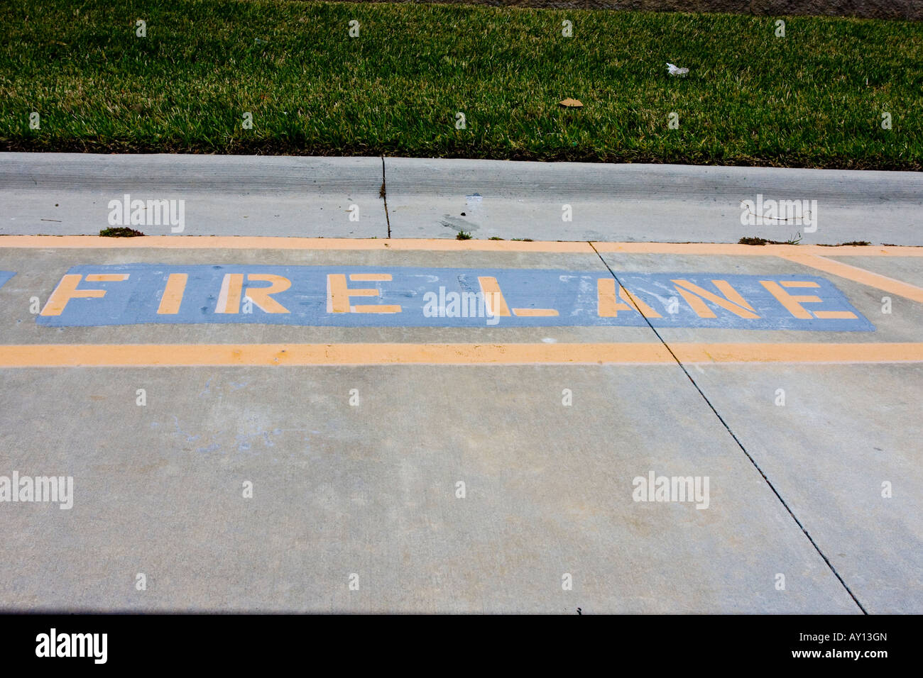 Painted Fire Lane Area Sign - Stock Image