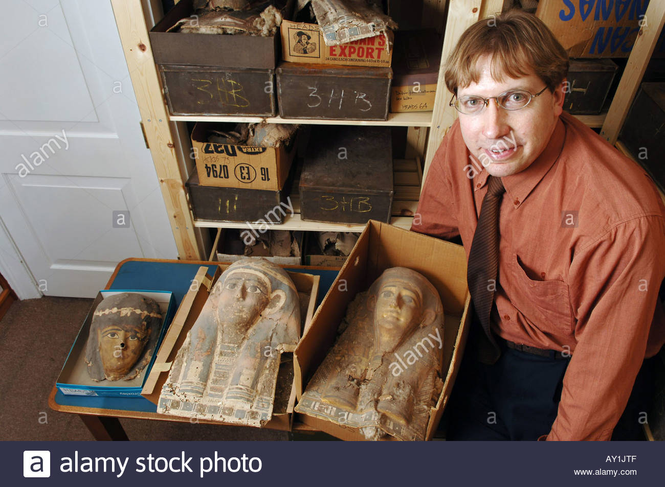 Dr Dirk Obbick of Christ Church College at Oxford University with a Egyptian Death Mask made of papyrus Stock Photo