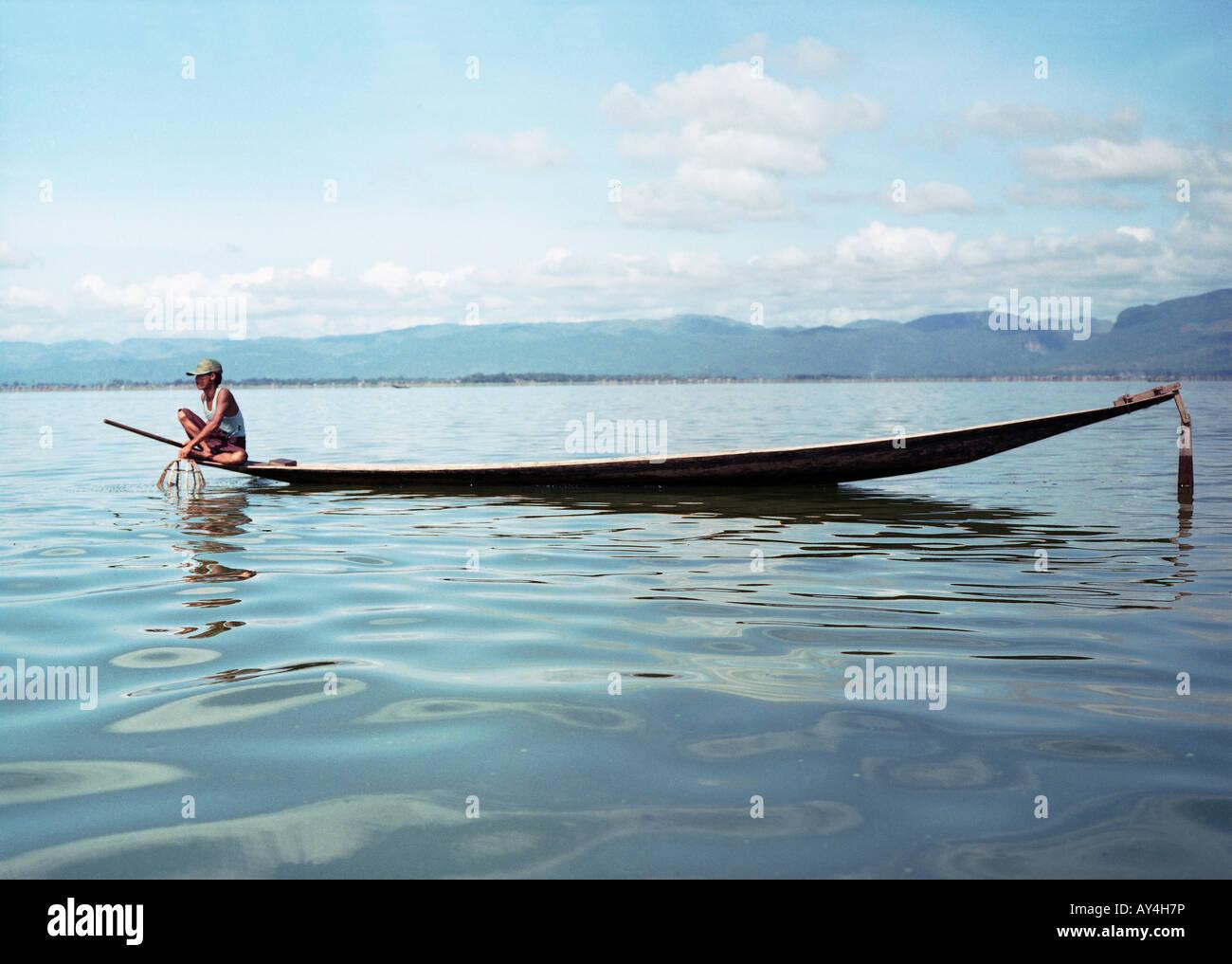 Fisher man on Inle lake - Stock Image