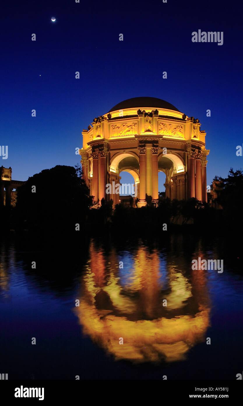 San Francisco Fine Arts Palace at night - Stock Image