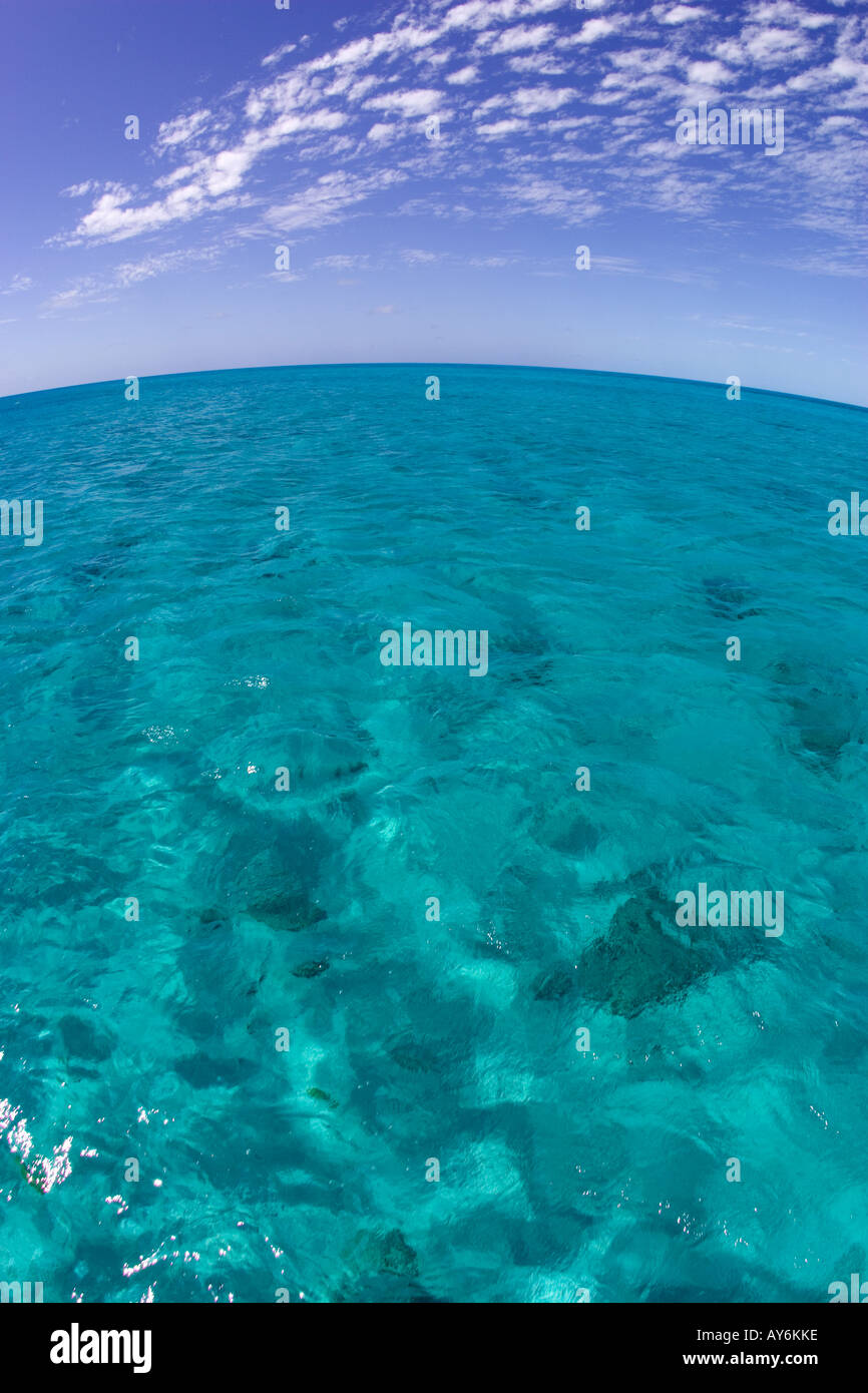 THE PERSPECTIVE DISTORTION OF AN EXTREMELY WIDE ANGLE LENS IS EVIDENT IN THE CURVATURE OF THE HORIZON LINE - Stock Image