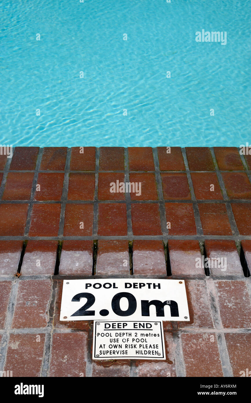 Swimming pool sign deep end stock photos swimming pool - How deep is the average swimming pool ...