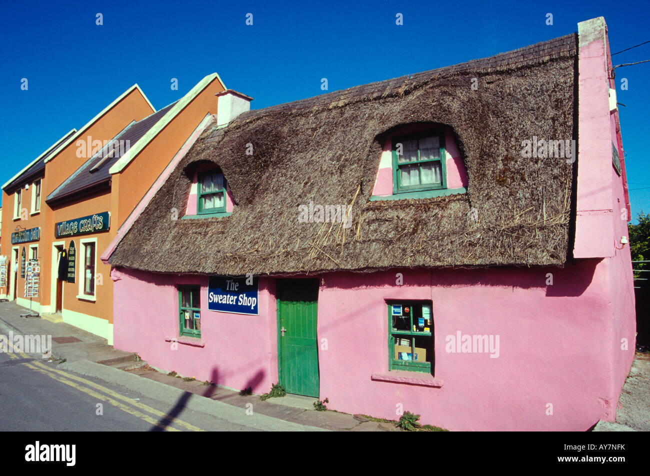 fisher street doolin village thatched gift shop county clare ireland - Stock Image