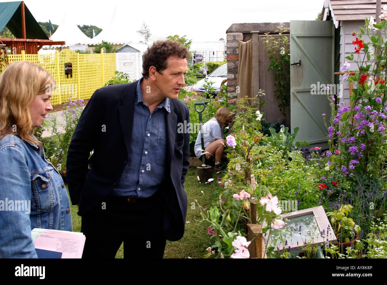 UK Cheshire Knutsford Tatton Hall RHA Flower Show Monty Don admires Heather Boardmans garden - Stock Image