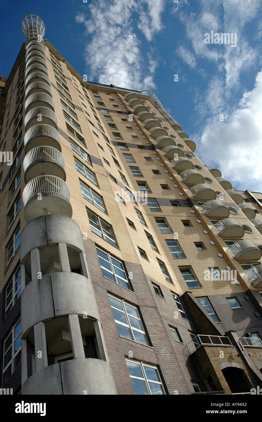 Cascades Tower block of apartments on Westferry Road, London Docklands E14, UK - Stock Image