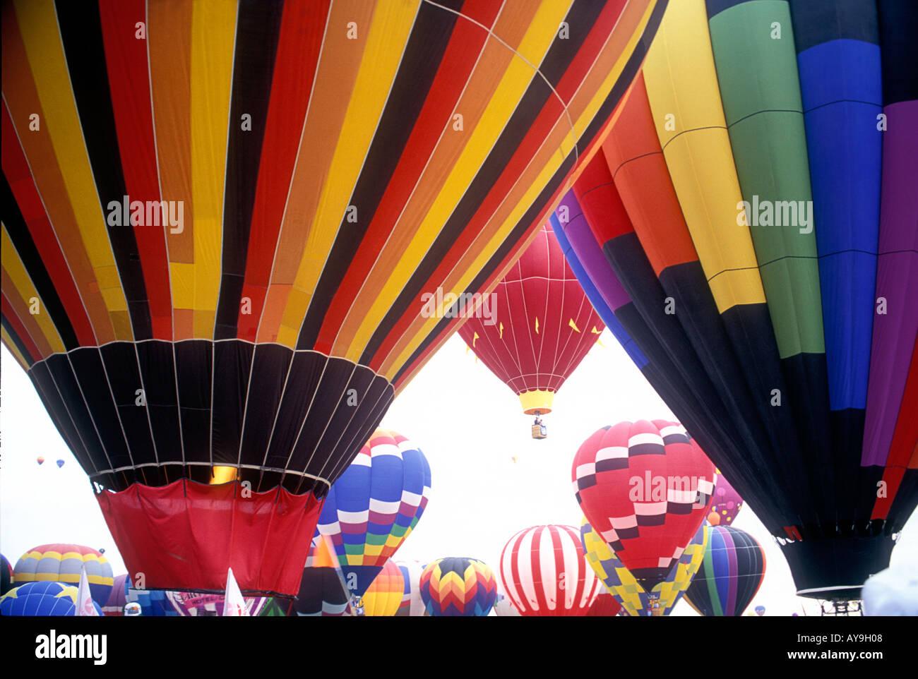 Albuquerque hot air balloon festival New Mexico USA US  hot air balloons ballooning    blue sky   flying   racing sport - Stock Image