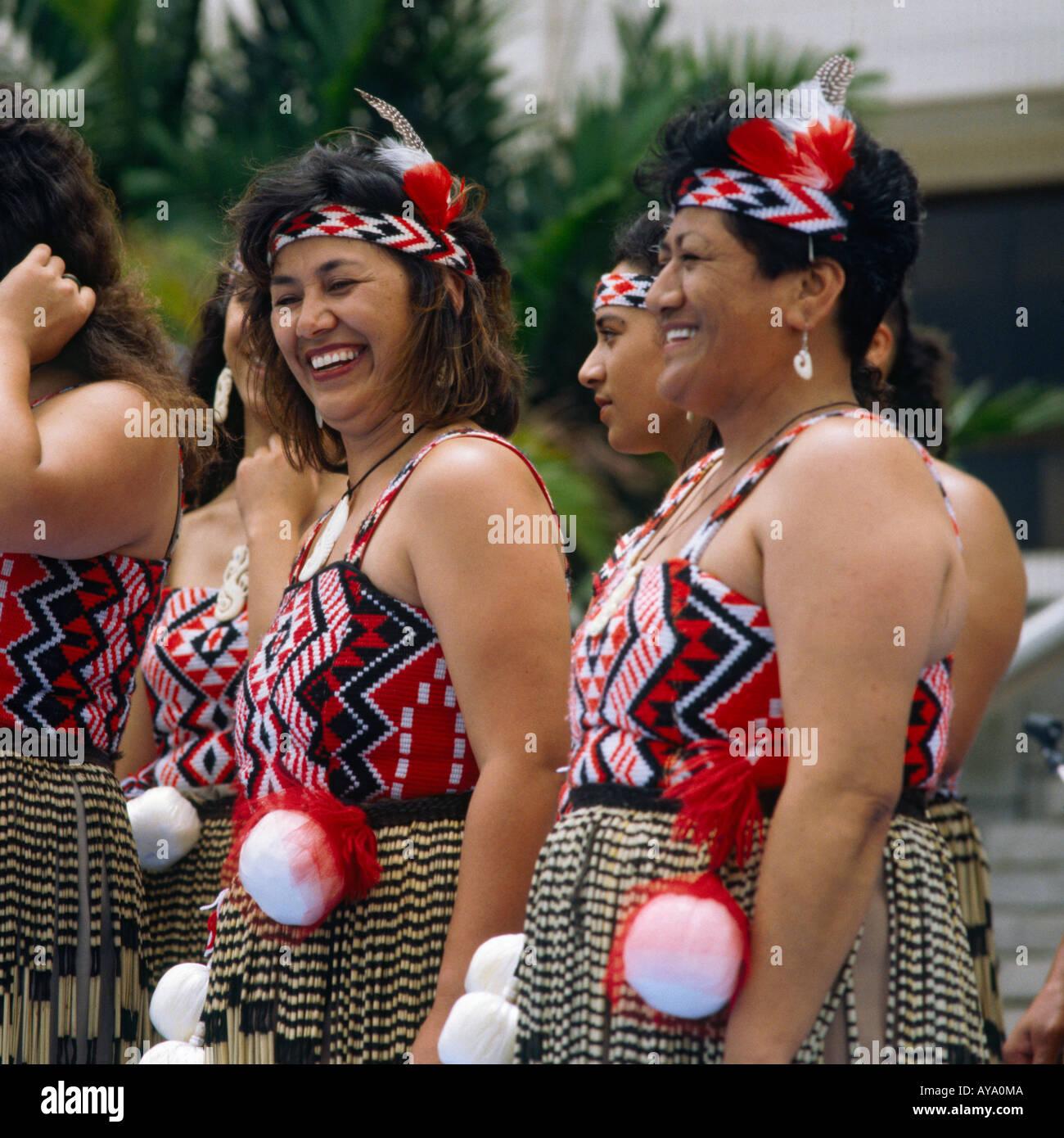 Category:New Zealand female singers - Wikipedia