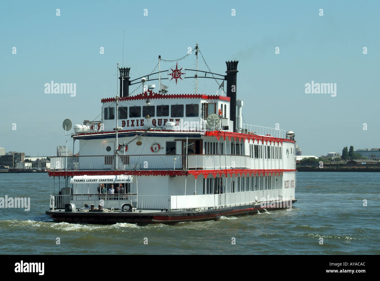 river queen paddle steamer stock photos river queen paddle steamer