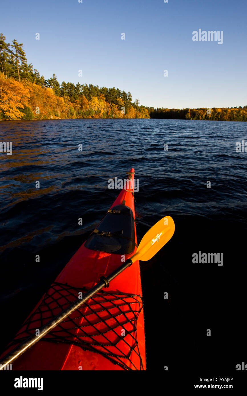 Pointed Canoe Stock Photos & Pointed Canoe Stock Images - Alamy
