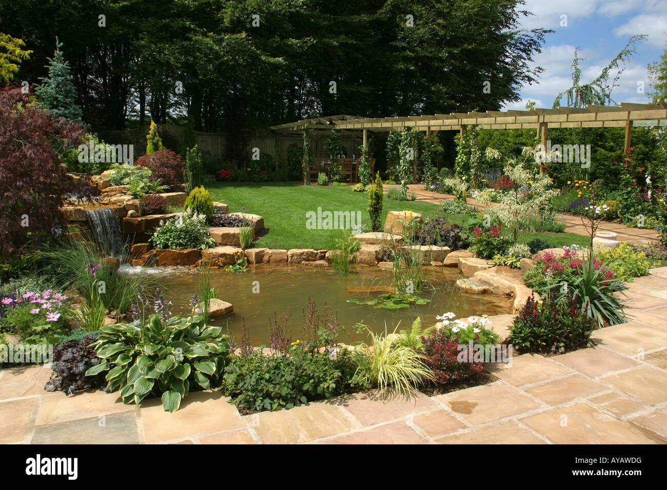 UK Cheshire Knutsford Tatton Hall RHS Flower Show Tarleton Specialist Plants An English Country Garden - Stock Image