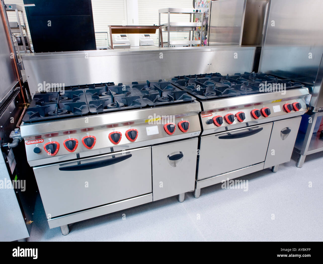 Commercial cooking range Stock Photo: 17057001 - Alamy