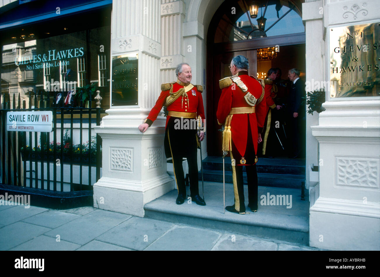 Escorts Stock Photos Images Alamy Gieve Original Body Oil Queens Guards Leaving Gieves And Hawkes No 1 Savile Row After Being Dressed By