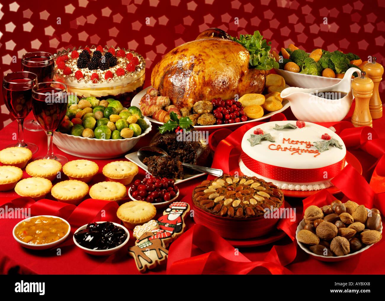 TRADITIONAL CHRISTMAS FOOD Stock Photo: 9748263