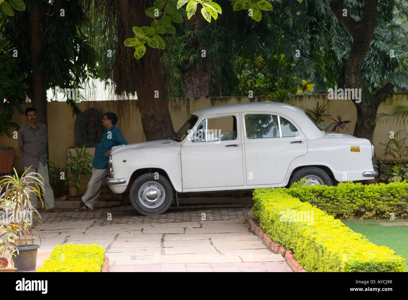 Hindustan Ambassador car parked in the grounds of the Tipu Sultan s summer palace - Stock Image