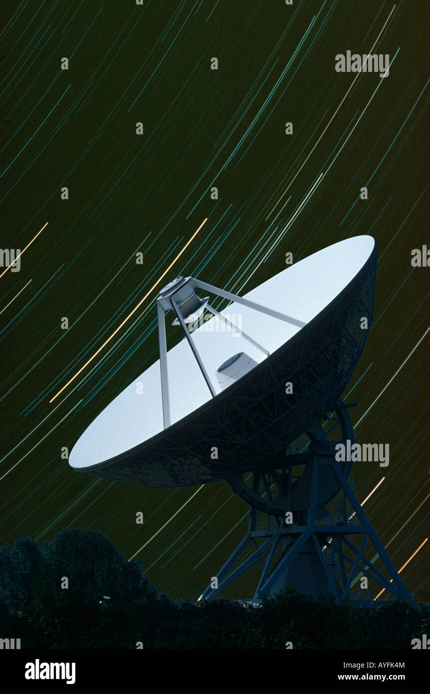 32m diameter radio telescope and star trails Barton, Cambridge UK - Stock Image