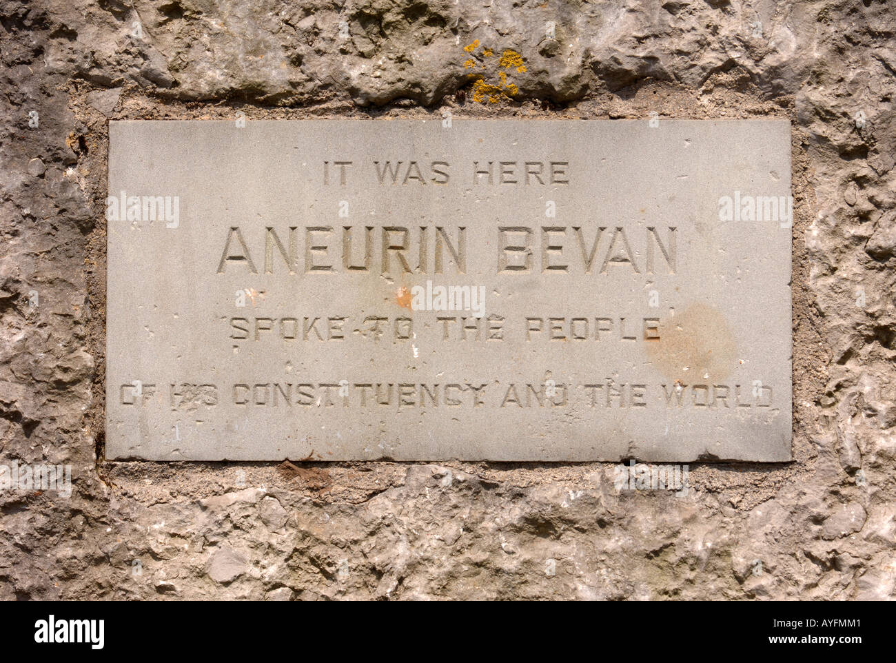 DETAIL OF THE PLAQUE ON THE THE MEMORIAL TO ANEURIN BEVAN - Stock Image