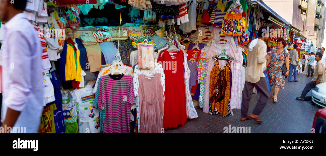 Dubai UAE People Shopping Clothes Souk Stock Photo: 5585602 - Alamy