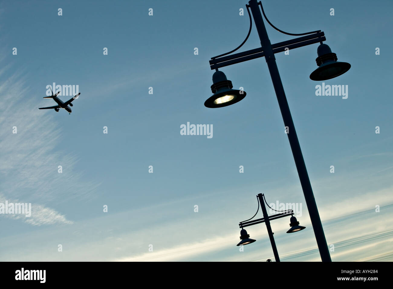 Commercial airliner takes off or landing - Stock Image