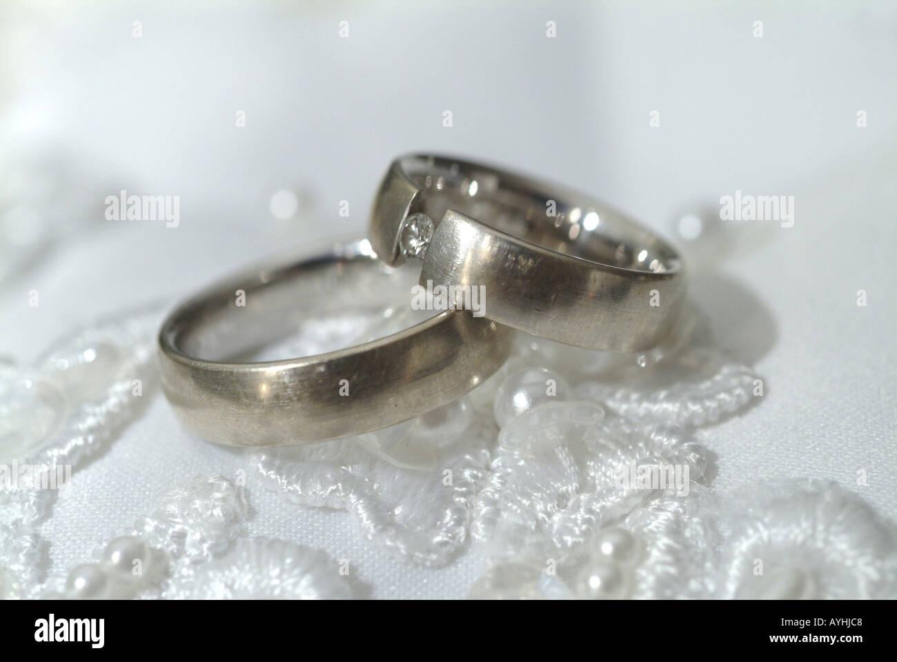 Hochzeitsringe Stock Photo 5586631 Alamy