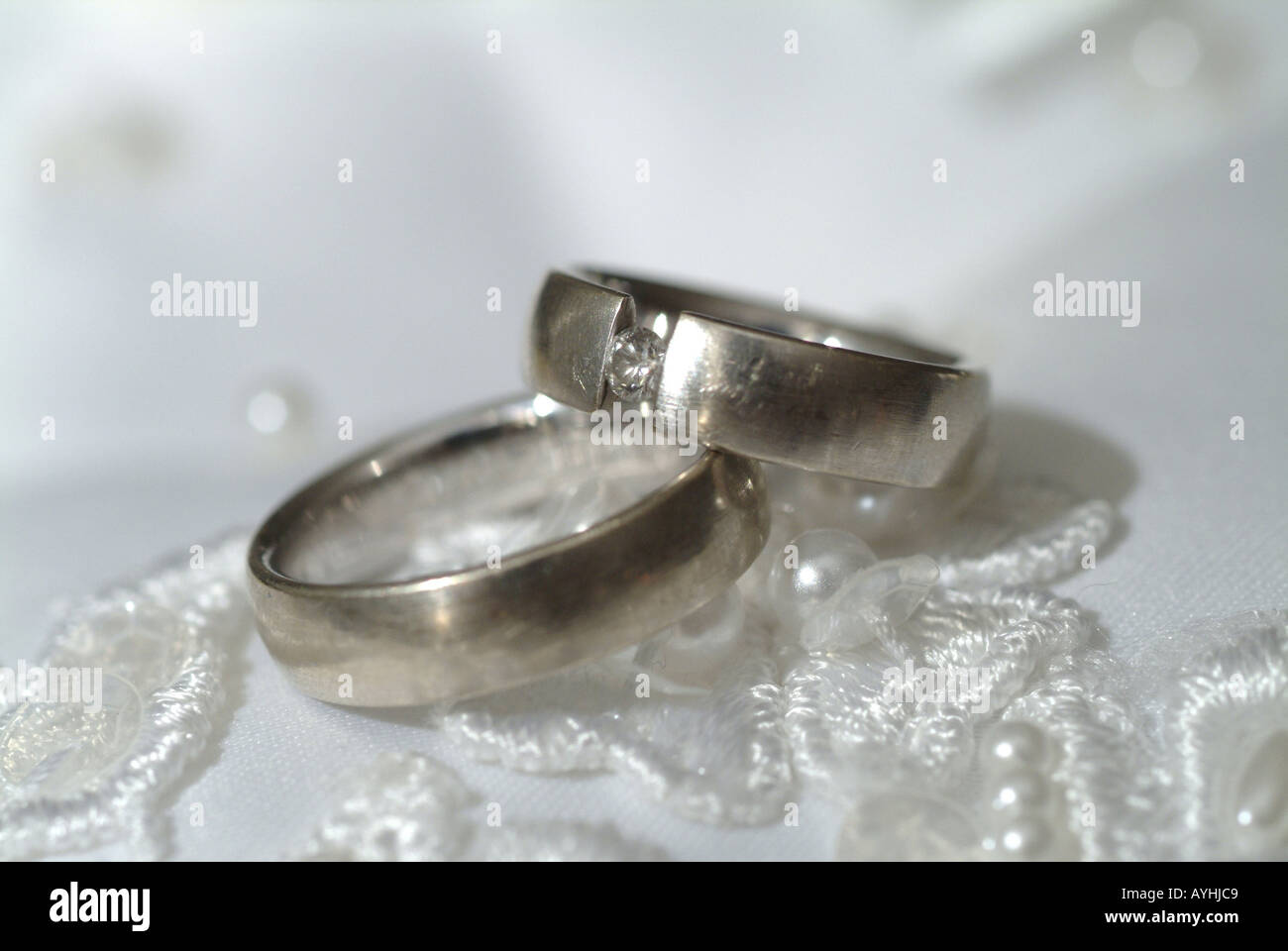 Hochzeitsringe Stock Photo 5586632 Alamy