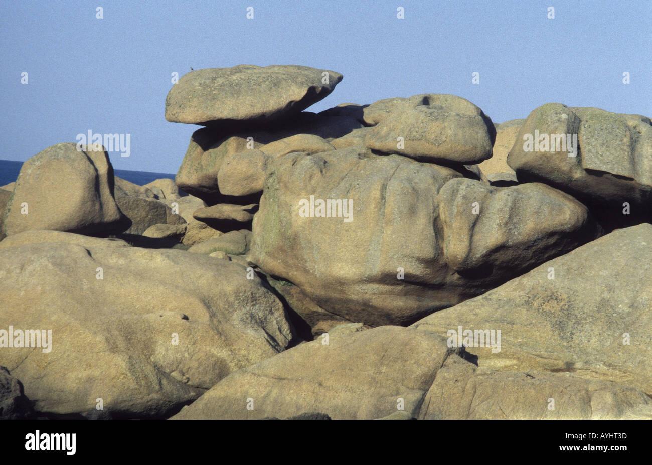 Steinformation bei Ploumanac Bretagne Frankreich - Stock Image