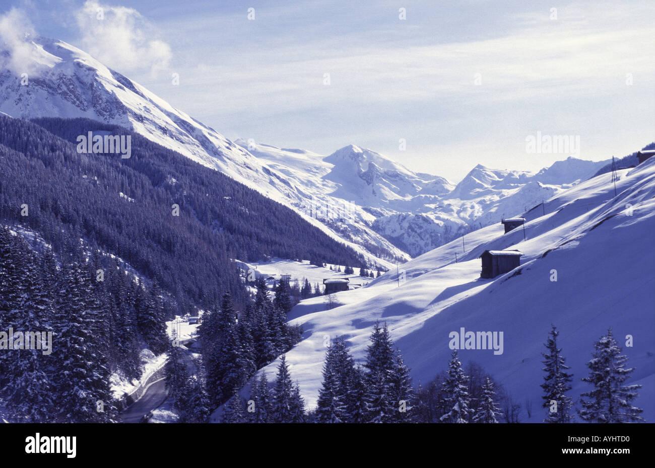 Schneebedeckte Berge - Stock Image