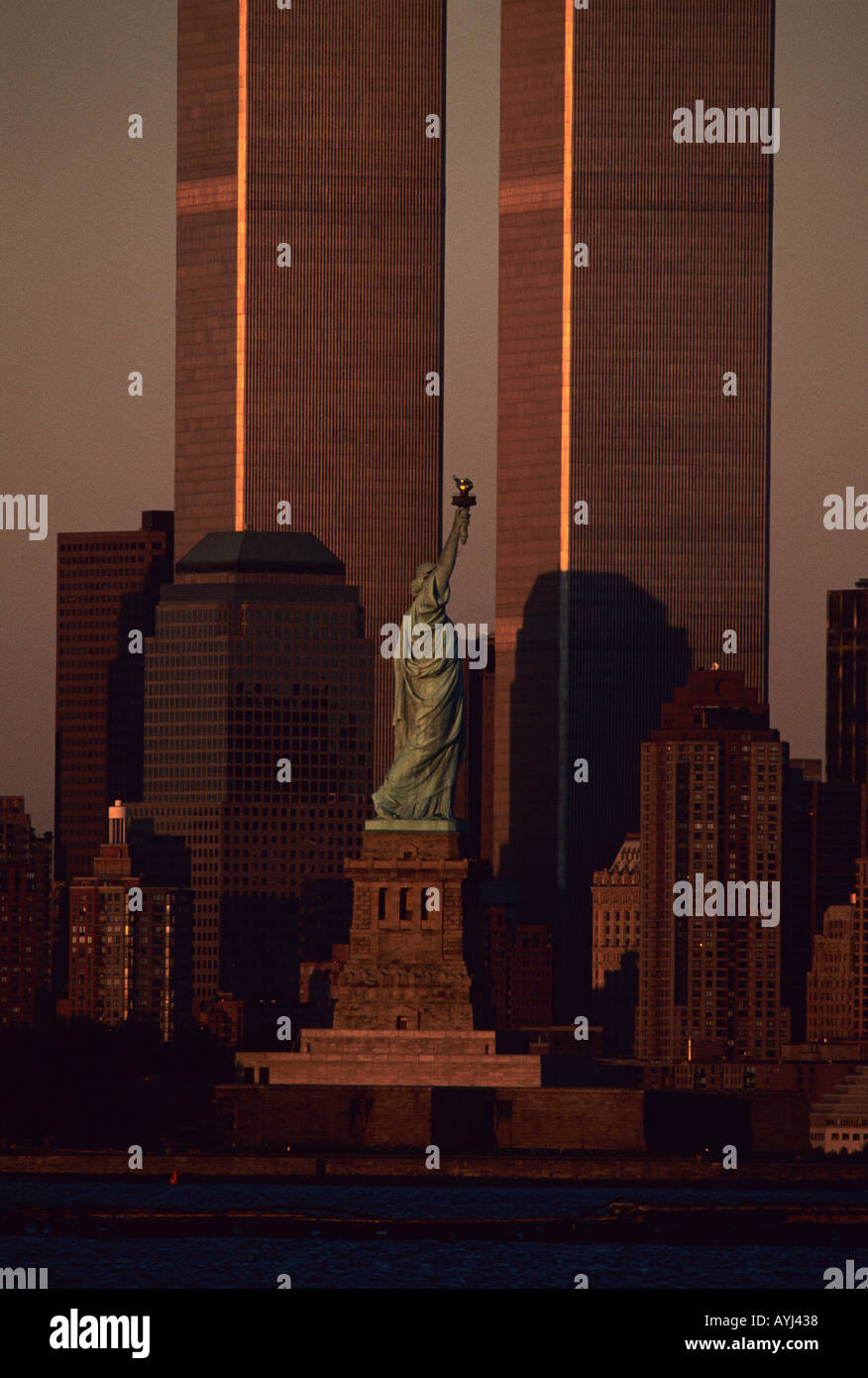Statue of Liberty between the now destroyed Twin Towers