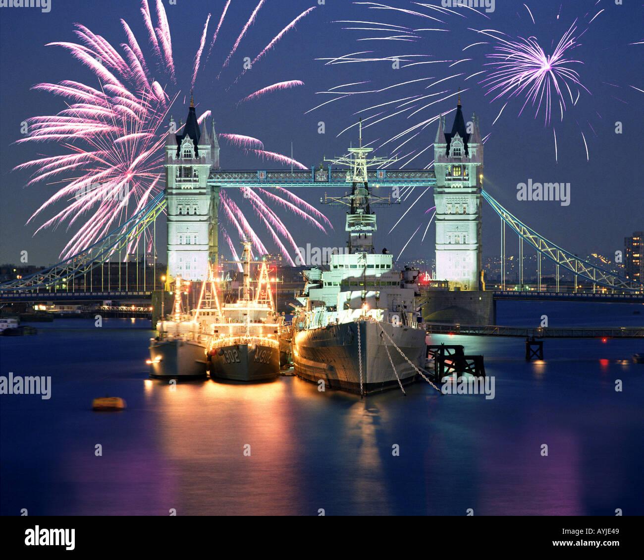 GB - LONDON: Tower Bridge and HMS Belfast - Stock Image