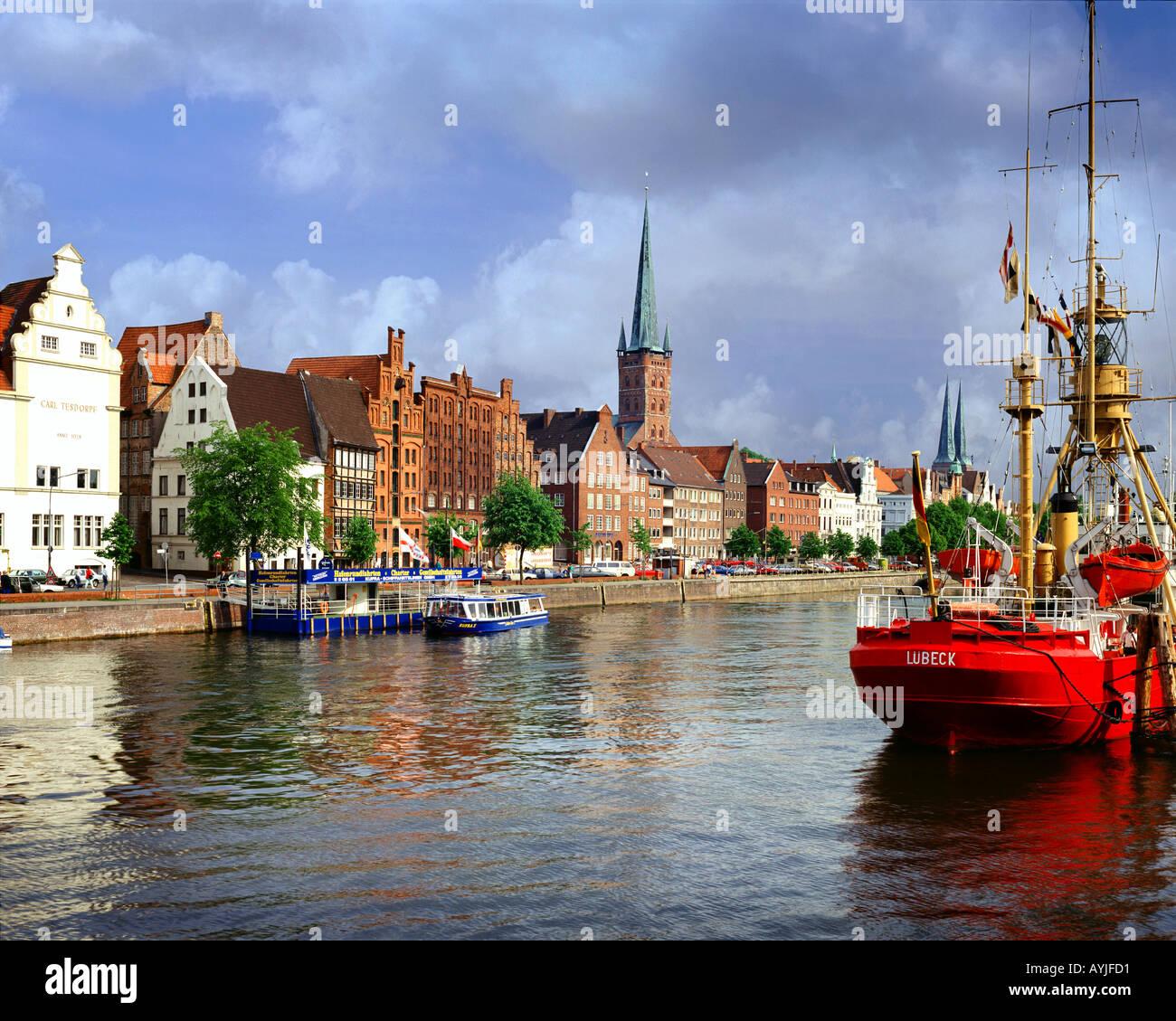 DE -  SCHLESWIG HOLSTEIN: River Trave and Hansestadt Lübeck Stock Photo