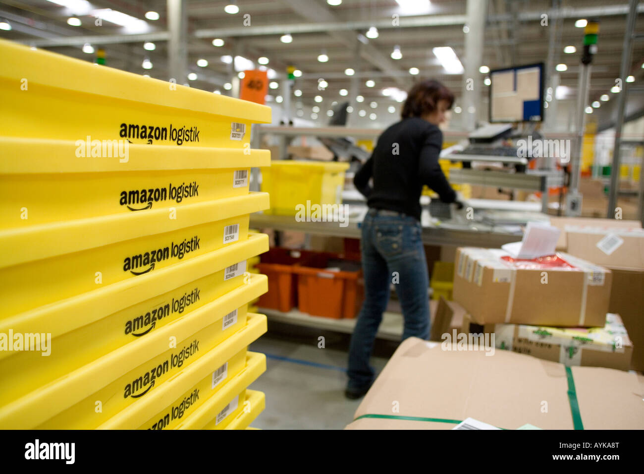 Amazon Online Shopping Stock Photos & Amazon Online Shopping Stock