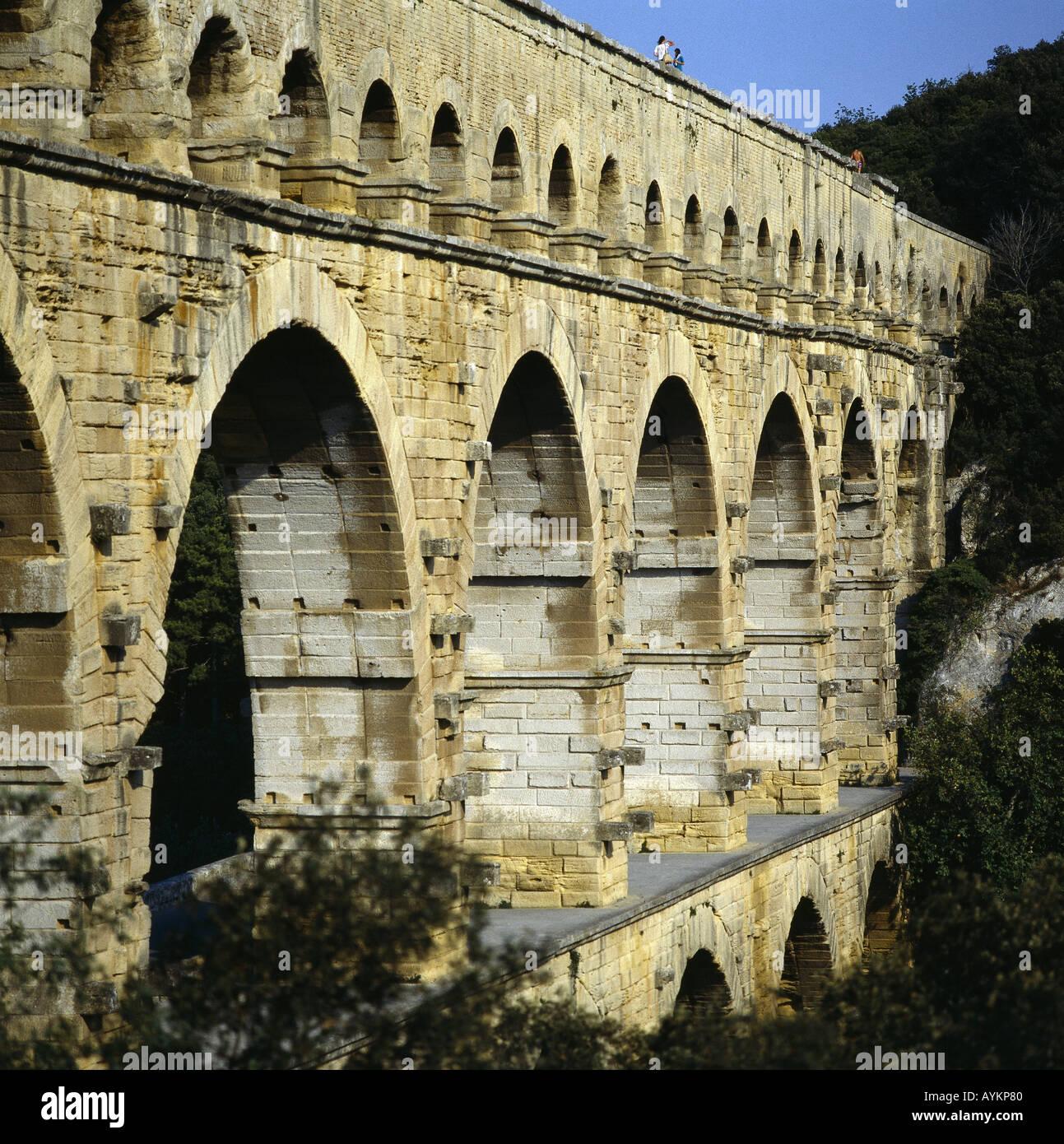 Pont du Gard die groesste erhaltene Aquaeduktbruecke der Antike Frankreich Stock Photo