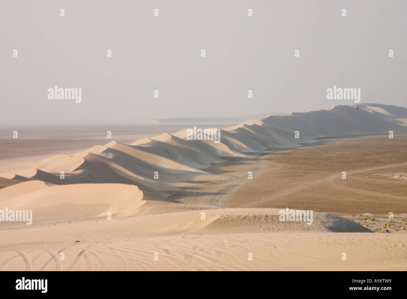 A line of sand dunes in qatar - Stock Image