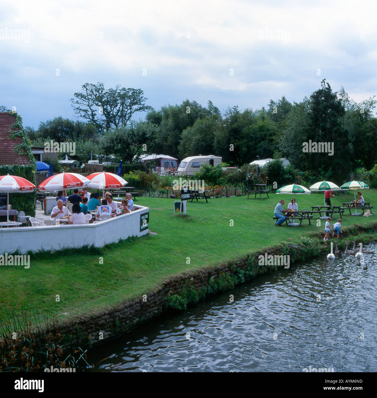 Maybush Pub garden by River Thames at Newbridge Standlake in Oxfordshire England - Stock Image