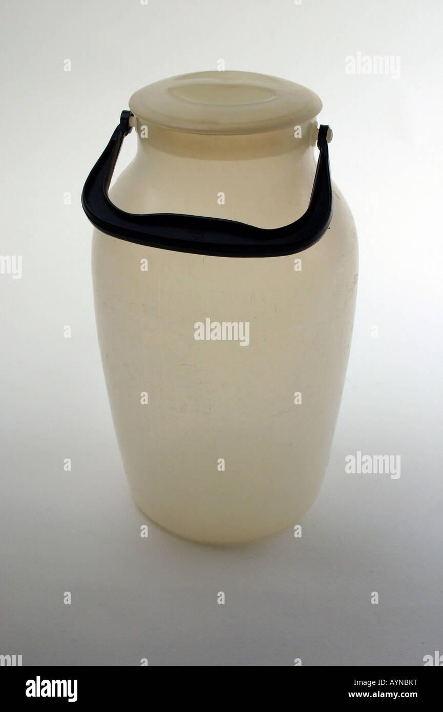 household, dishes / vessels, polyethylene milk churn, produced by VEB Presswerk Tambach, GDR, 1960s, Additional Stock Photo