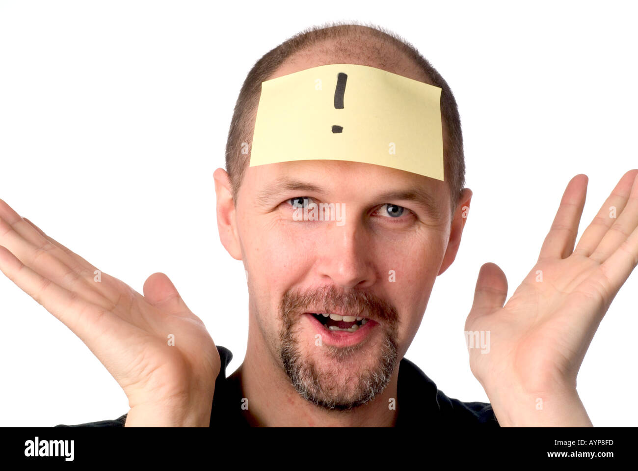 man with post it note on head looking having an idea blue sky thought eureka bingo exclamation mark what hands thrown up in di - Stock Image